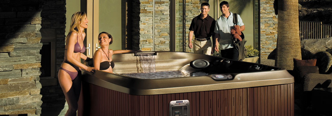 Greenwood-Jacuzzi-Hot-Tubs-Spas